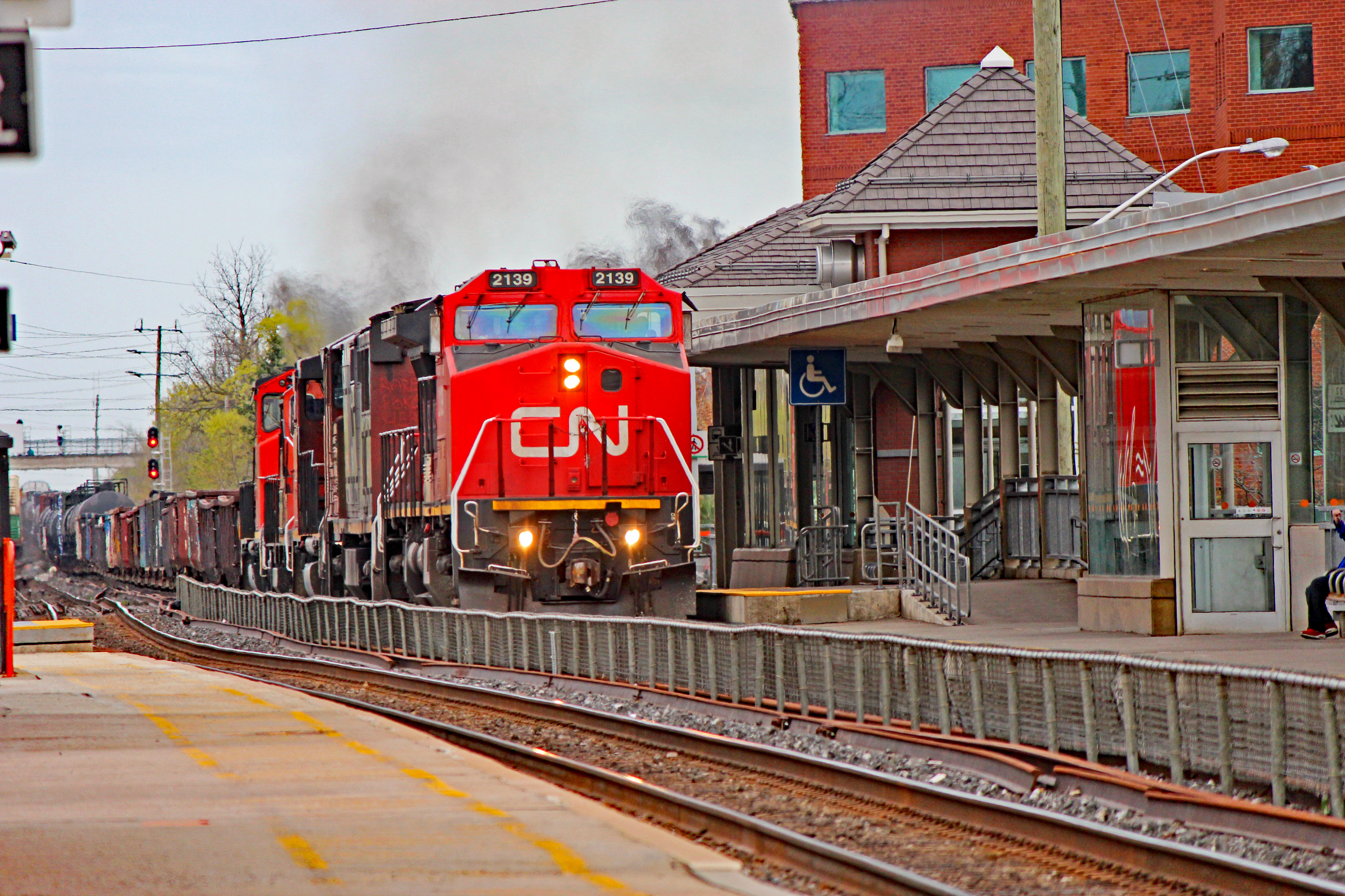 Railpictures.ca - Nicolas Houde Photo: CN 8952 was repainted into GTW colors by AMP shops in